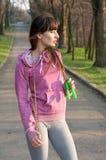 Mädchen mit einem Springseil Lizenzfreies Stockfoto