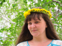 Mädchen mit einem Wreath Lizenzfreie Stockfotos