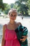Mädchen mit einer Decke Lizenzfreies Stockfoto