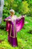 Mädchen mit einer magischen Klinge Lizenzfreies Stockfoto