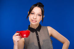 Mädchen mit einer Schale Lizenzfreie Stockfotos