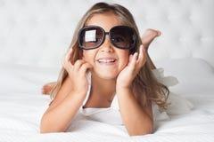 Mädchen mit eyewear Lizenzfreies Stockfoto