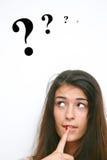 Mädchen mit Frage Stockfoto