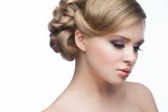 Mädchen mit Frisur und Make-up Stockfoto