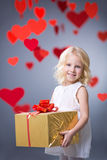 Mädchen mit Geschenk Stockfoto