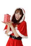 Mädchen mit Geschenk im Weihnachten Lizenzfreies Stockfoto