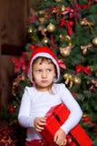 Mädchen mit Geschenken Stockbild