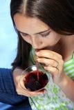 Mädchen mit Glas Wein. Lizenzfreies Stockbild