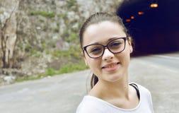 Mädchen mit glasess lizenzfreie stockfotos