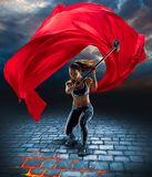 Mädchen mit Hammer in der Fantasieart lizenzfreies stockbild