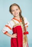 Mädchen mit im traditionellen russischen Kostüm Lizenzfreies Stockbild