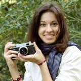 Mädchen mit Kamera Lizenzfreies Stockfoto