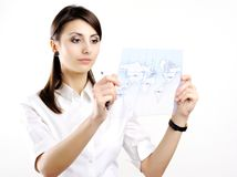 Mädchen mit Karte Lizenzfreie Stockfotos
