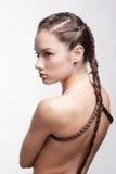 Mädchen mit kreativer Frisur lizenzfreie stockbilder
