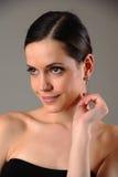 Mädchen mit Ohrringen Stockfoto