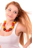 Mädchen mit Perlen von den Tomaten Stockbild