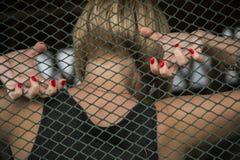 Mädchen mit roten Nägeln Stockfoto