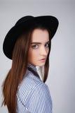 Mädchen mit sauberer Haut und schönem Gesicht Lizenzfreie Stockfotos