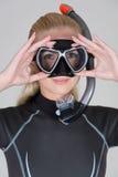 Mädchen mit Schablone und Snorkel Lizenzfreie Stockfotografie