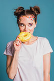 Mädchen mit Schaumgummiringen Lizenzfreies Stockfoto