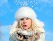 Mädchen mit Schneeflocke Stockbilder