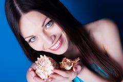 Mädchen mit Seashell Lizenzfreies Stockbild