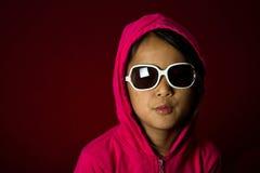 Mädchen mit Sonnenbrille Stockbild