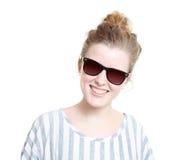 Mädchen mit Sonnenbrillen Lizenzfreie Stockfotos
