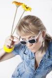 Mädchen mit Sonnenbrillen Stockbilder