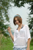 Mädchen mit Stroh Lizenzfreies Stockfoto