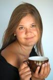 Mädchen mit Tasse Kaffee Lizenzfreie Stockfotografie