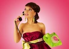 Mädchen mit Telefon Stockfotos