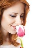 Mädchen mit Tulpe lizenzfreie stockfotografie