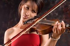 Mädchen mit Violine lizenzfreie stockbilder