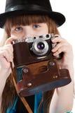 Mädchen mit Weinlesekamera Lizenzfreie Stockbilder