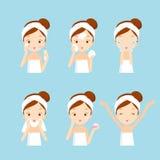 Mädchen-Reinigung und interessieren sich ihr Gesicht mit den verschiedenen eingestellten Aktionen Lizenzfreie Stockfotos