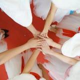 Mädchen ` s Hände lizenzfreies stockbild