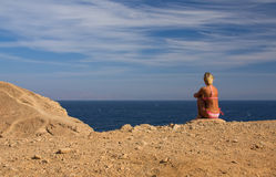 Mädchen-Seehimmel Sand Lizenzfreies Stockfoto