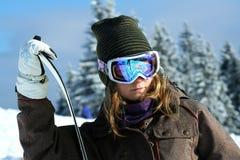 Mädchen Snowboarder auf der Winterrücksortierung von lizenzfreies stockfoto