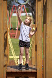 Mädchen am Spielplatz Lizenzfreie Stockbilder