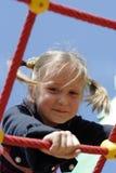 Mädchen am Spielplatz Stockfoto