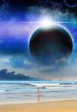 Mädchen-Strand-Planeten-Matt-Malerei-Sciencefiction Stockbild