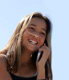 Mädchen am Telefon stockbilder