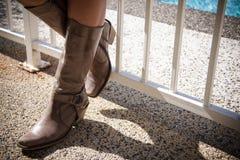 Mädchen-tragende Matten Stockfotos