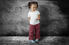 Mädchen-Umkippen Lizenzfreie Stockfotografie