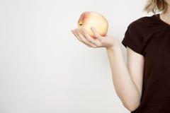 Mädchen und Apfel Lizenzfreies Stockfoto