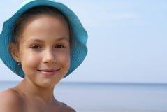 Mädchen und das Meer stockfoto