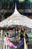 Mädchen- und Frauenlächeln Lizenzfreies Stockfoto