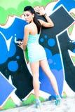 Mädchen und Graffiti Stockbilder