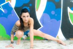 Mädchen und Graffiti Lizenzfreies Stockfoto